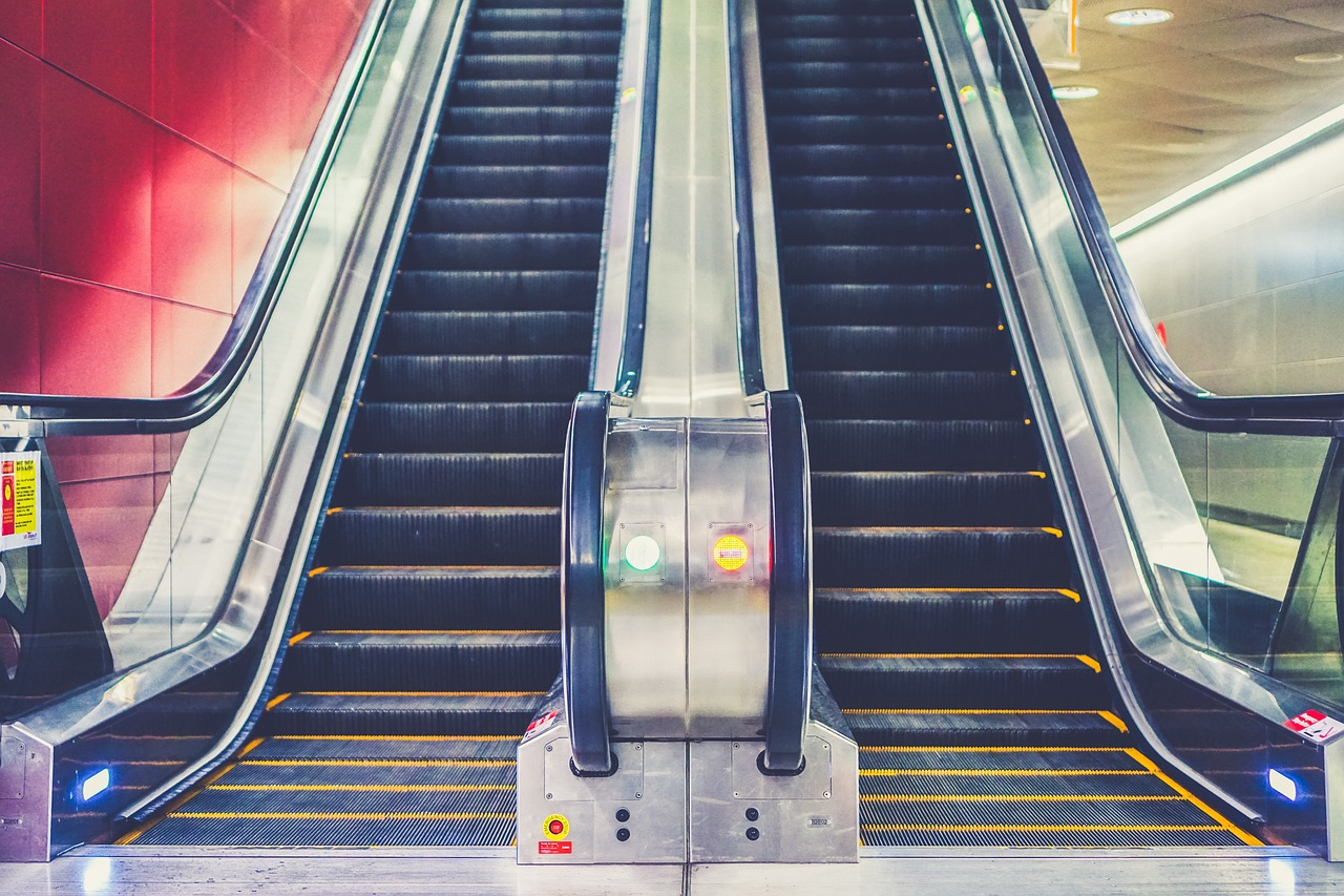 variable speed drive escalator